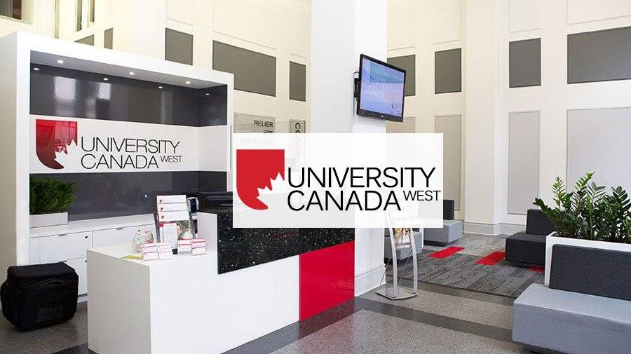 Sảnh chính University Canada West